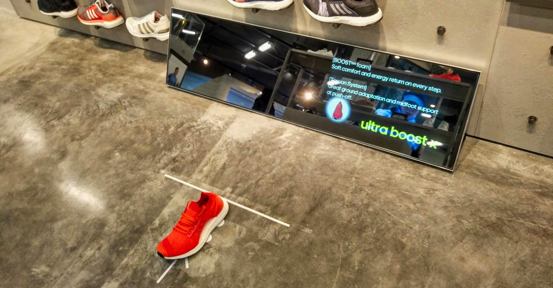 Mirai Mirror – Intelligent Mirror Recognises Retail Brands